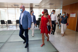 Las mejores imágenes de la rueda de prensa de Patricia Gómez en Ibiza.