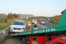 Tres heridos en una colisión triple en el cruce de es Cubells