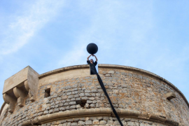 Ana Matey llena de silencio, reflexión y arte la Torre de sa Sal Rossa