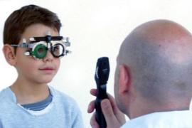 Atento a las cuatro señales que pueden indicarte que tu hijo no ve bien