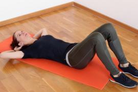 Cuatro ejercicios para fortalecer los abdominales sin forzar la espalda