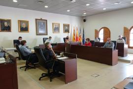 El pleno de Sant Josep insta al Consell a informar sobre la situación urbanística de los Don Pepe