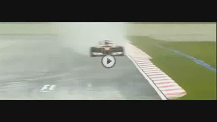 La lluvia le complica la carrera a Alonso que saldrá decimonoveno