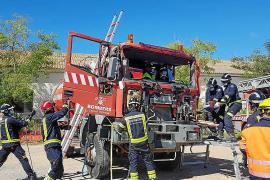 Los bomberos se preparan para accidentes con vehículos pesados