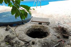 Buscan por orden judicial restos humanos en un jardín de Cala Sant Vicenç