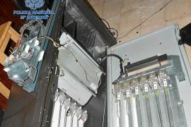 Detenido un delincuente reincidente por reventar las máquinas de varios locales de Ibiza