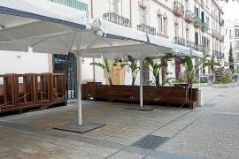 Bares y restaurantes de la Plaza del Parque y Vara de Rey, al borde del abismo