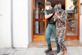 La Guardia Civil intervino armas de fuego y drogas a los dos detenidos en Ibiza