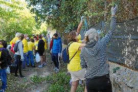 Voluntarios de Jesús limpian el Camí de l'Horta