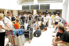 Aluvión de solicitudes para obtener el certificado de residente para volar