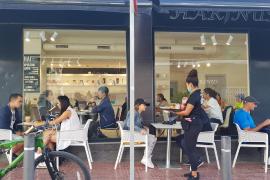 Los bares y restaurantes de Sant Antoni, en imágenes. (Fotos: Marcelo Sastre)
