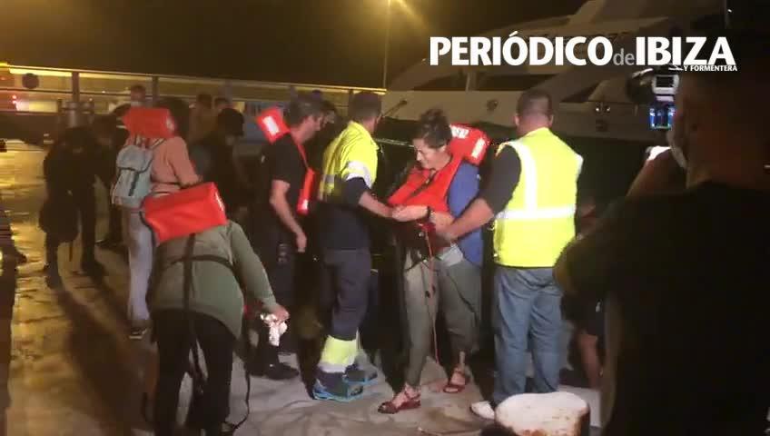 Rescatadas 17 personas de un buque accidentado entre Ibiza y Formentera