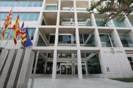 Funcionarios del Estado defienden a la interventora del Consell de Ibiza