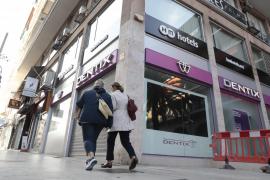Miles de afectados por la quiebra del grupo Dentix en Baleares