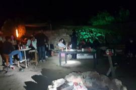 La Policía Local de Sant Josep y la Guardia Civil desmantelan una fiesta en el bosque