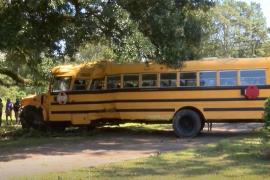 Arrestado un niño de 11 años que robó un autobús escolar para dar un paseo