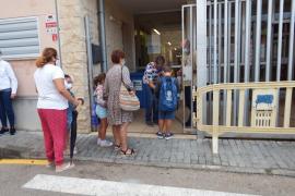 Los colegios dejarán de informar a las familias de los casos sospechosos de COVID
