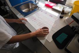 Los contagios en las Pitiusas se reducen un 29% en la última semana