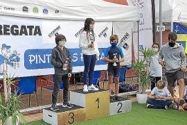 Pleno de los regatistas del CNSA en el Trofeo Pinturas Fiona Stoppani