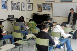 Los docentes de Baleares de Primaria y Bachillerato decidirán si un alumno pasa de curso pese a tener suspensos