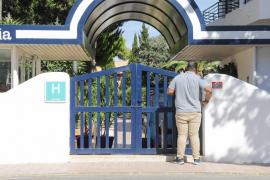 Regresan al hotel los argelinos que huyeron de su aislamiento