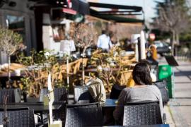 Sanidad propone cerrar los bares a las 22.00 y no salir de casa en las zonas de más contagios