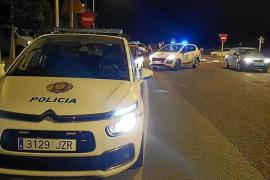Herido un motorista tras chocar contra un patinete y caerse en Sant Antoni
