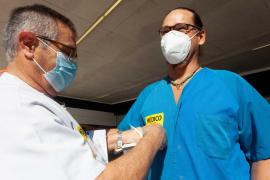 Las mejores imágenes de la huelga nacional de médicos en Ibiza.
