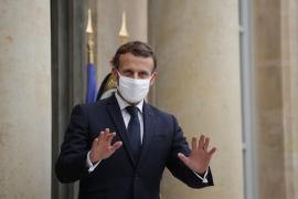 Francia se encierra en casa