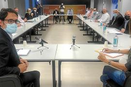Los empresarios exigen al Govern pactar las medidas para superar la crisis