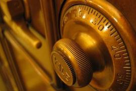 Fuerzan la caja fuerte de una 'escape room' creyendo que habría dinero, pero solo encuentran pistas