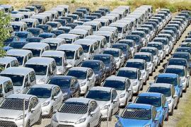 Empresas de rent a car amenazan con «dejar de dar servicio» si no se cambia el decreto 'pirata'