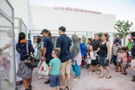 El curso escolar arranca con problemas  por la libre elección de lengua en las Pitiüses