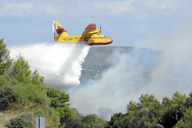 Dos nuevos incendios casi simultáneos vuelven a poner en jaque a toda Menorca