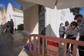 Escasa afluencia y máxima seguridad con la cita previa en los cementerios de Vila