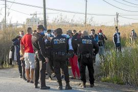 Una nueva oleada deja medio centenar de inmigrantes e imágenes insólitas en Talamanca