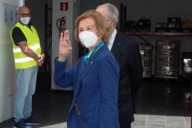 La reina doña Sofía visita el Banco de Alimentos de Lanzarote