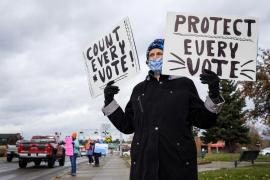 El recuento sigue en unos EEUU divididos entre «contar hasta el último voto» y detener el escrutinio