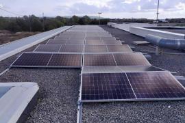 Placas solares alimentarán de energía el campo municipal de fútbol de Formentera