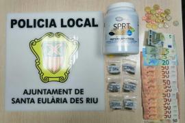Detenido en Santa Gertrudis por ofrecer droga a un agente