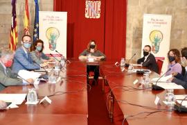 Armengol anuncia un plan de ocupación que beneficiará a 33.000 personas