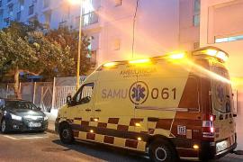 Salud moviliza la UVI móvil del 061 de Santa Eulària para atender a la residencia Reina Sofía