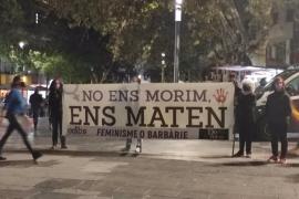 Cerca de 150 personas se manifiestan en Palma contra el crimen machista ocurrido en el Secar de la Real