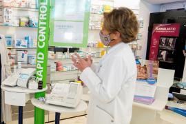 Las farmacias de Baleares, sin respuesta a su oferta de hacer pruebas de COVID