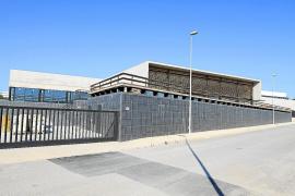 El Consell garantiza que no echará al personal de las residencias