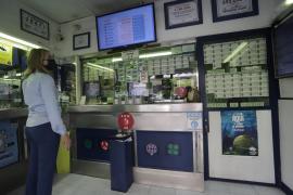 Hacienda exime de impuestos a los premios de hasta 40.000 euros para vender más lotería