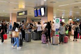 Balears celebra las PCR a viajeros de países de riesgo y pide incluir las rutas nacionales