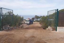 Cs denuncia el cierre de dos caminos públicos en la zona de Port d'es Nebot
