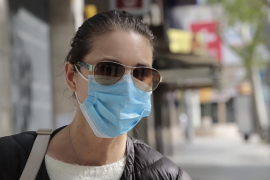 El Gobierno baja el precio de las mascarillas quirúrgicas a 0,72 euros