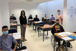 Nueve alumnos comienzan el curso de formación y empleo de monitor de tiempo libre en Formentera